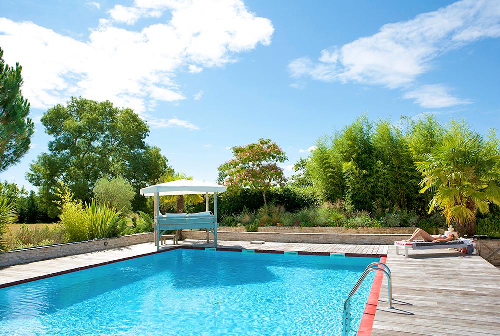 Le ch teau de la presqu 39 ile saint louis de montferrand for Parlons piscine