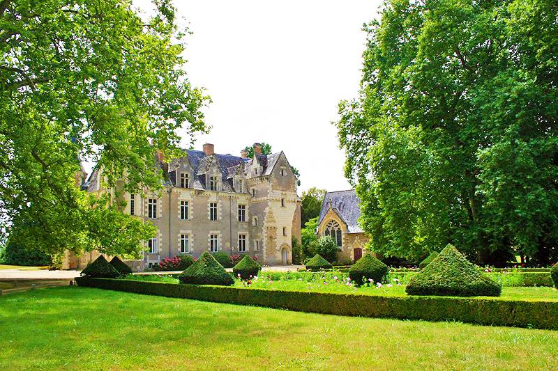 Chateau De Montriou Feneu Maine Et Loire Pays De La